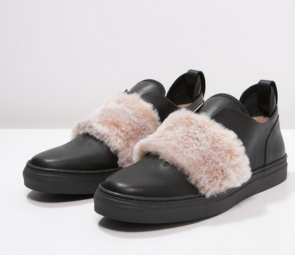 ZIGN Fake Fur Slip Ons